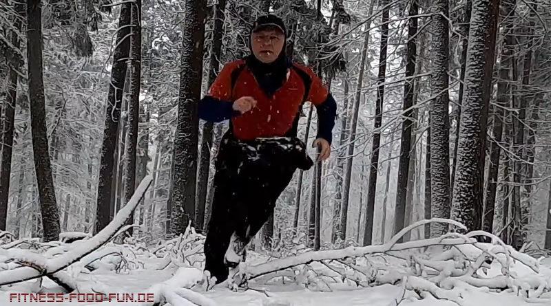 Wintertraining Joggen Schnee Running Laufen